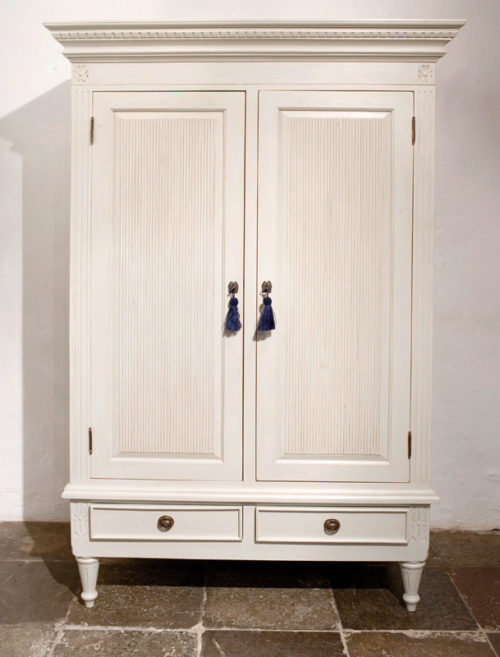 Gustavian Wardrobe with Ribbing Detail